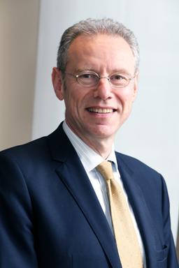 专访安特卫普世界钻石中心总裁Stephane Fishchler先生